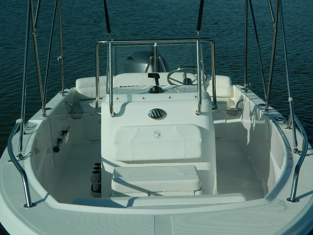 Edgewater 17 Center Console